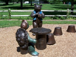 (Franklin and bear sculpture)